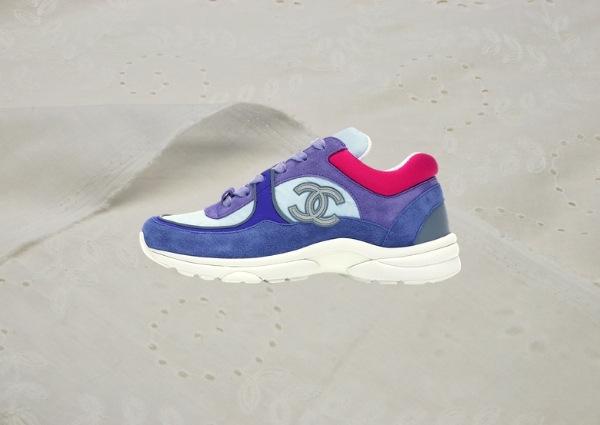 Sneakers Chanel : Chanel CC Lowtop en « Ivory Blue »